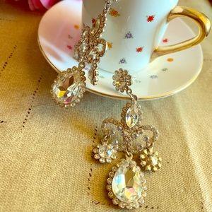 Vintage looking chandelier earrings